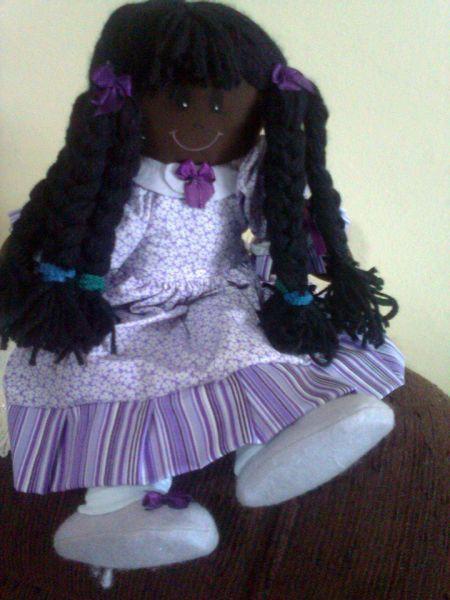 Boneca de Pano Ana Carolina Negra - Ateliê Cida Rosa